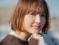 【画像】人妻声優・花澤香菜さんの太もも、えちえちすぎるwww